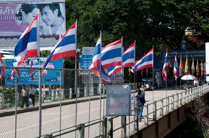 Paso de la frontera entre Tailandia y Myanmar