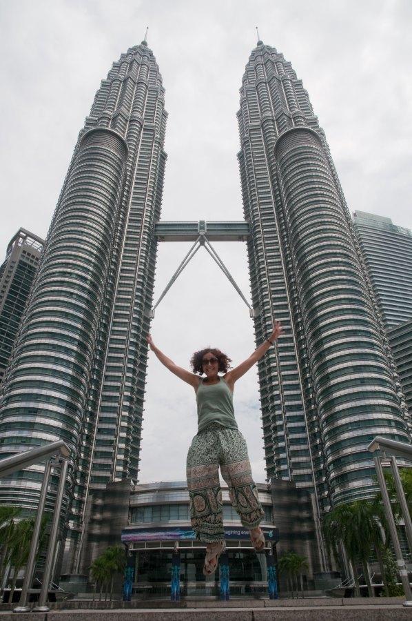 Saltando en las Petronas